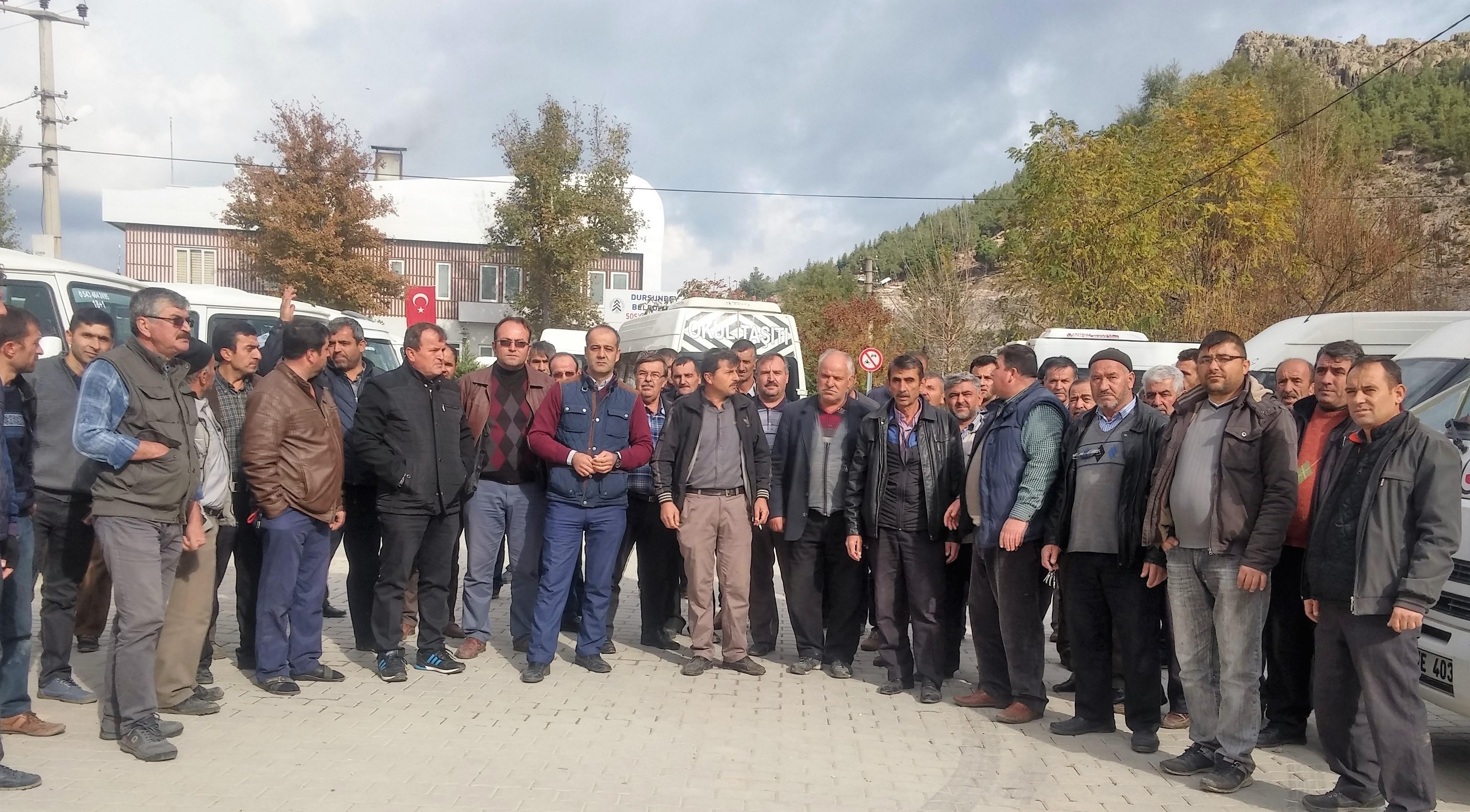 Servis Araçlarının Şöförlerinden Büyükşehir İsyanı