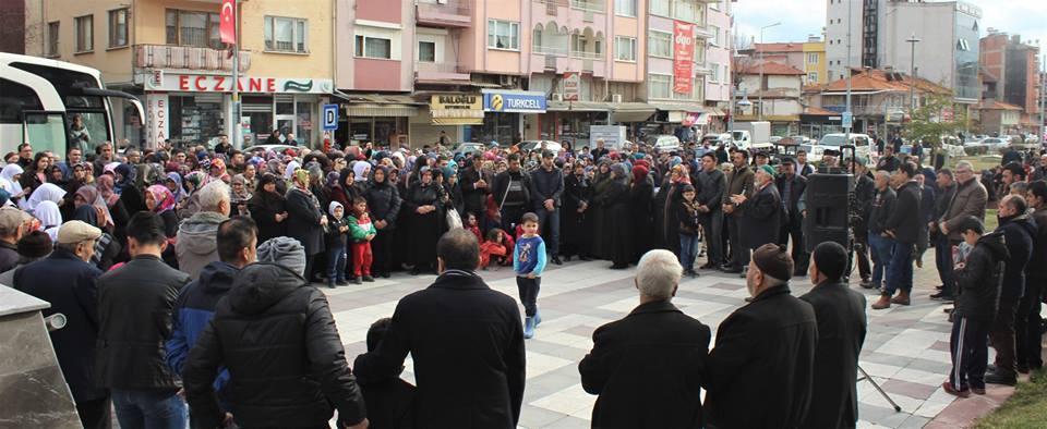Dursunbey'de Umreciler Dualarla Uğurlandı