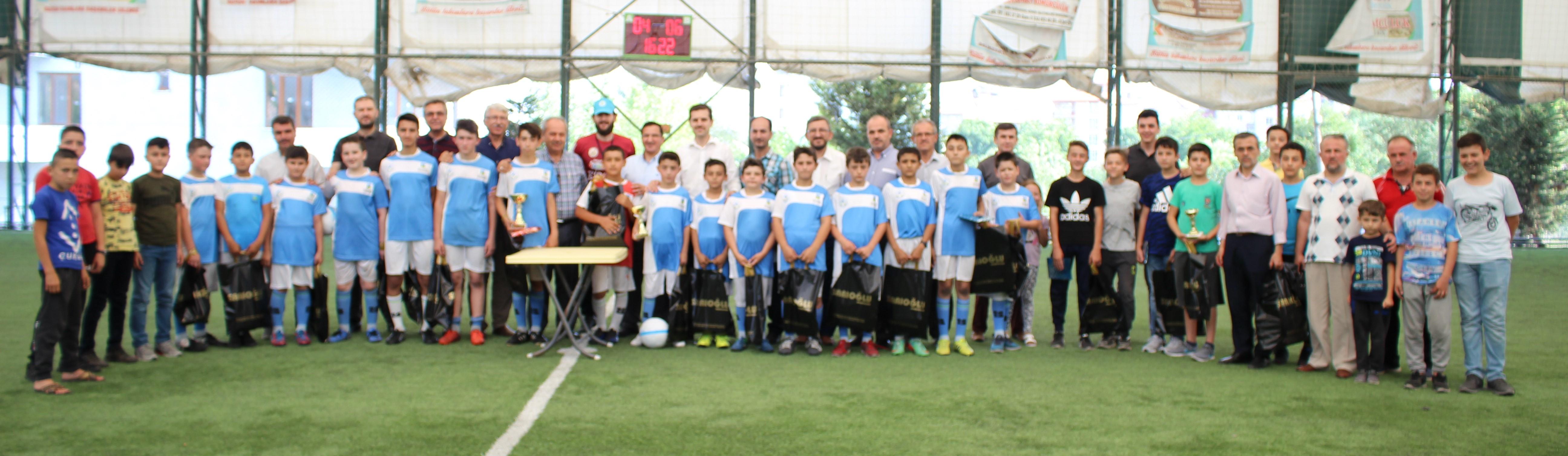"""Yaz Kur'an Kursu öğrencileri arası futbol turnuvası"""" sona erdi."""